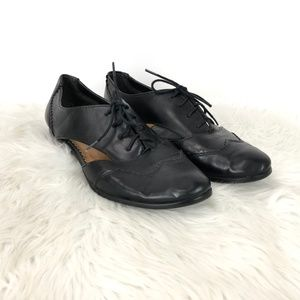 Baretraps Black Leather Veronica Oxford Flats